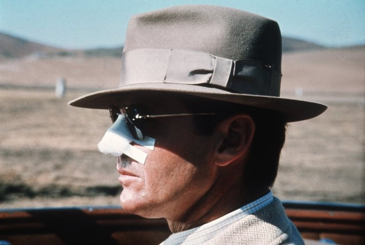 chinatown-1974-001-jack-nicholson-bandaged-nose-and-hat-profile (1)
